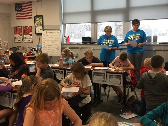 3rd Graders learn from Frontier Bank