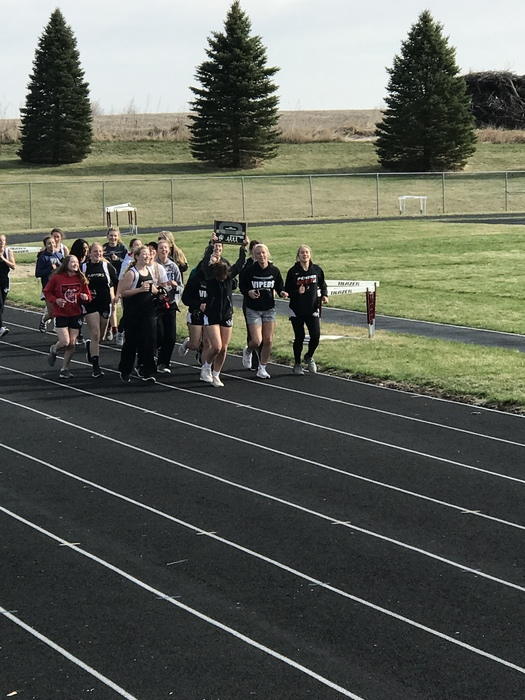The girls finishing that victory lap!