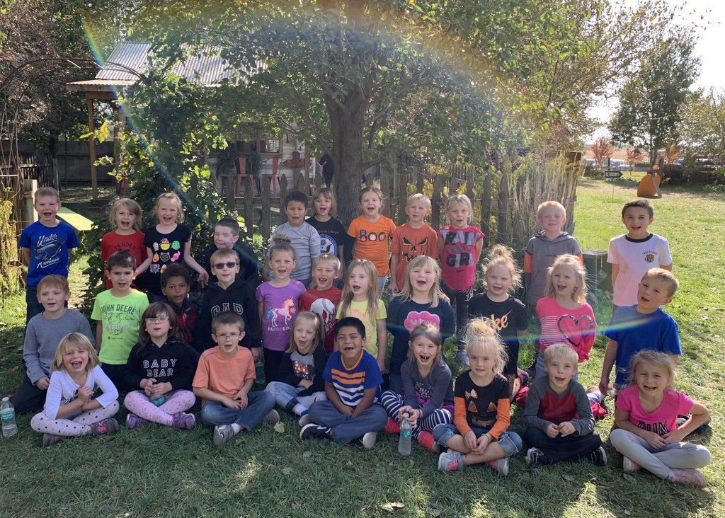 The kindergarteners had a great time at the pumpkin patch today!